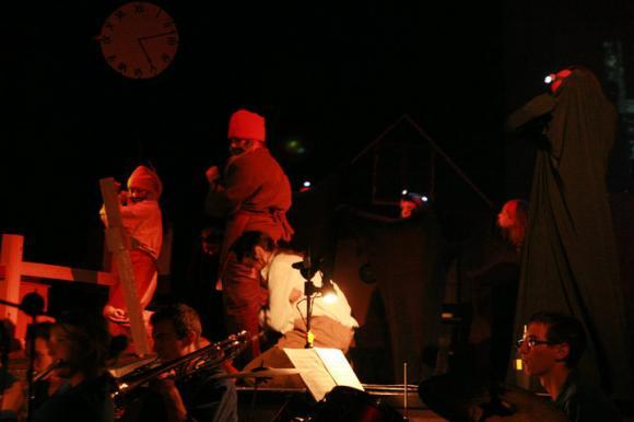 http://opera-la-mine.cowblog.fr/images/spectacle/46497139385349438538100001012227500195105762088n.jpg