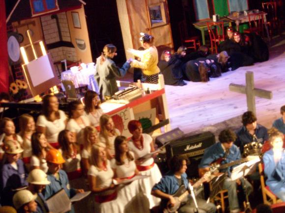 http://opera-la-mine.cowblog.fr/images/spectacle/DSCN0985.jpg