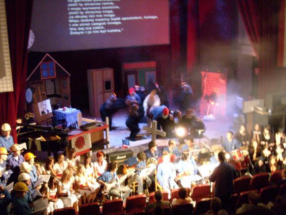 http://opera-la-mine.cowblog.fr/images/spectacle/DSCN0997.jpg